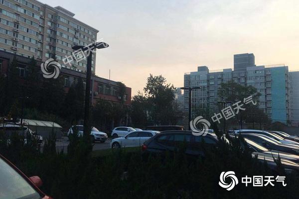 """京城周末再遭""""霾伏"""" 周日部分地区可达中度污染"""