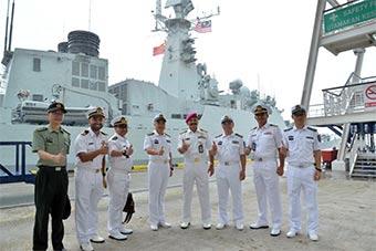 中国海军2艘军舰抵达马来西亚 将和马军联合演习