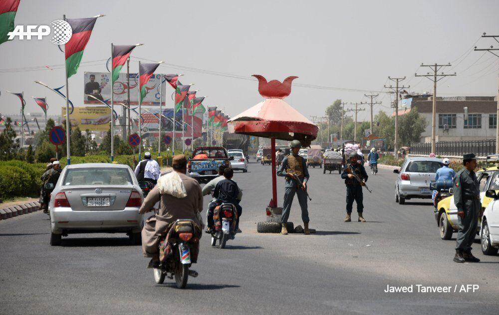 阿富汗首都多个投票站今发生爆炸  已致44人死亡238人受伤