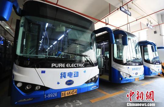 """""""公交都市""""杭州的智能化实践:读懂数据?更懂民心"""