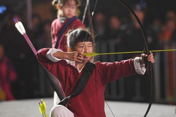 浙江杭州举行体育健身项目展演 别样方式迎亚运