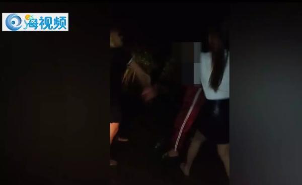 海南一14岁辍学少女被打 次日与3名青年围殴打人者