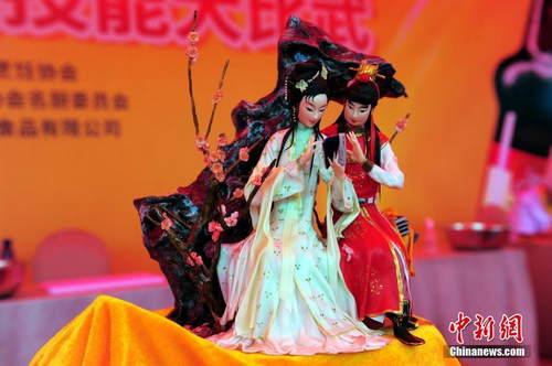 """大厨齐聚湖北""""比武"""" 菜品""""变身""""艺术品"""