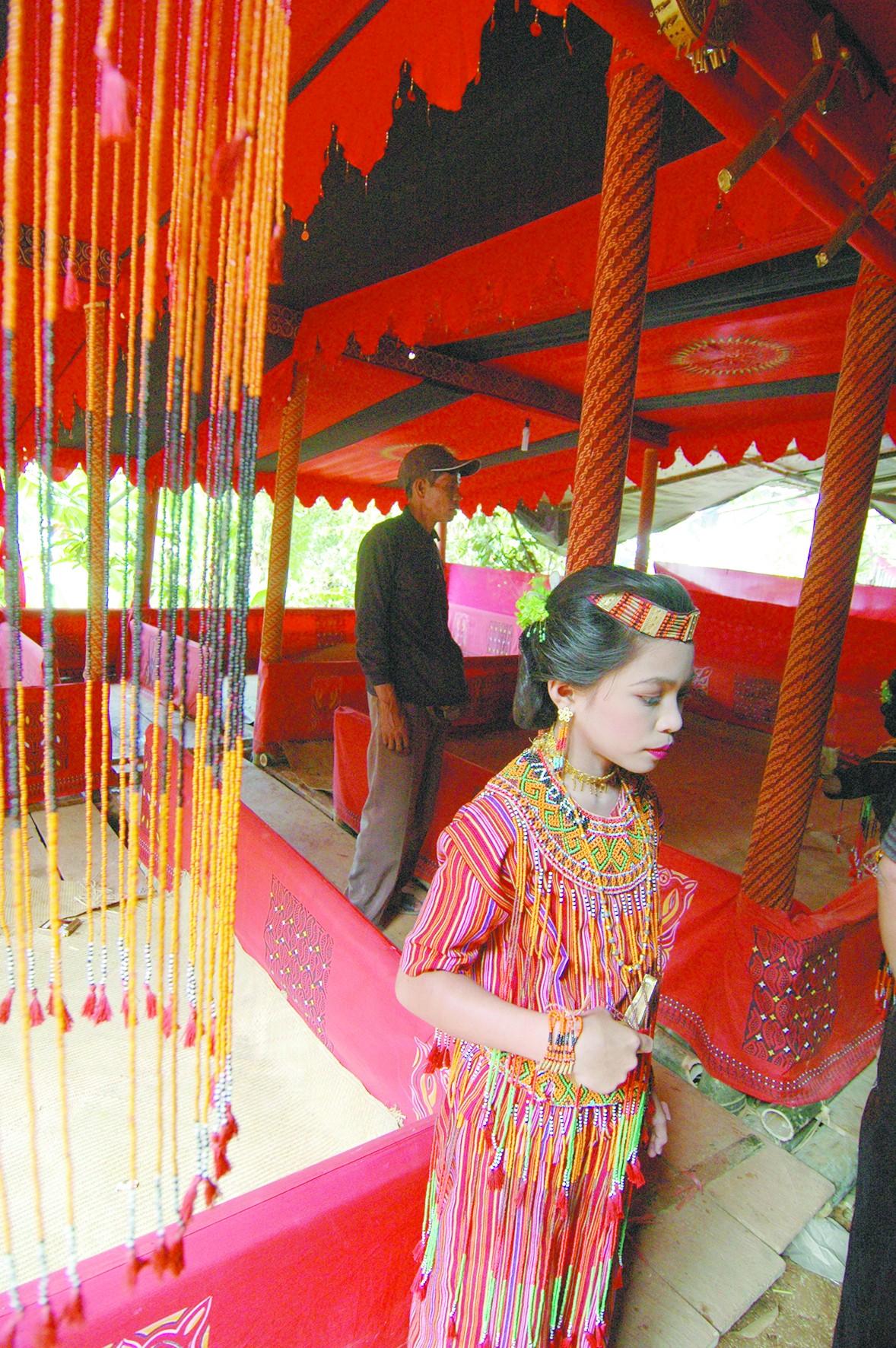 印尼山民:葬礼更像欢乐派对