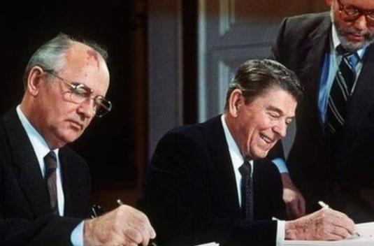 美欲退中导条约 戈尔巴乔夫呼吁:要保护地球生命