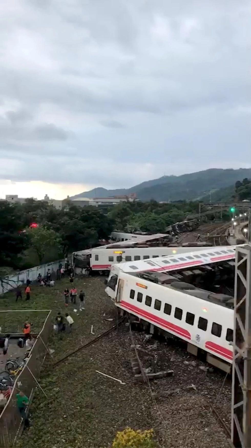 台湾列车脱轨是人为?还是列车本身问题?你关心的几大问题有回应了!