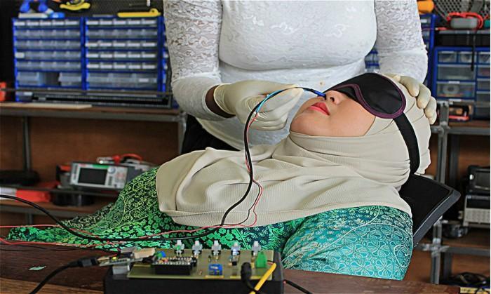 """嗅觉失灵者福音 马来西亚研究员打造""""虚拟嗅觉"""""""