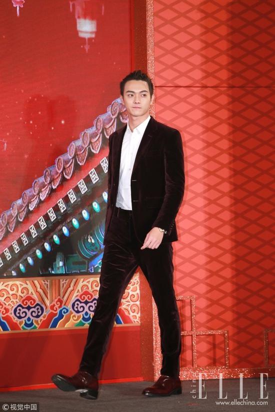 蔡徐坤和许凯撞衫 颜都过硬的情况下谁赢了