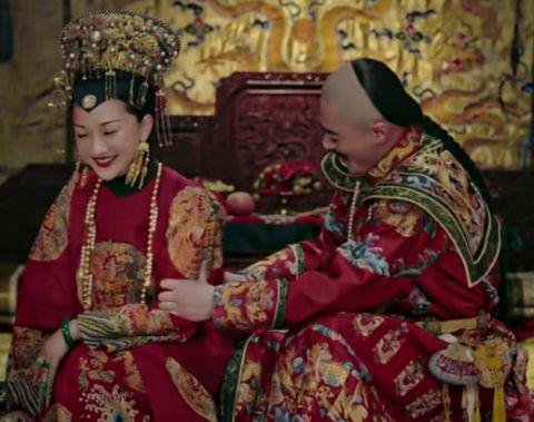 如懿传:如懿的红衣,寒香见的素衣,魏嬿婉的绿衣,都输给了她
