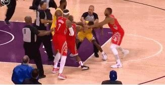 火箭湖人冲突 NBA研究了冲突录像并做出处罚决定