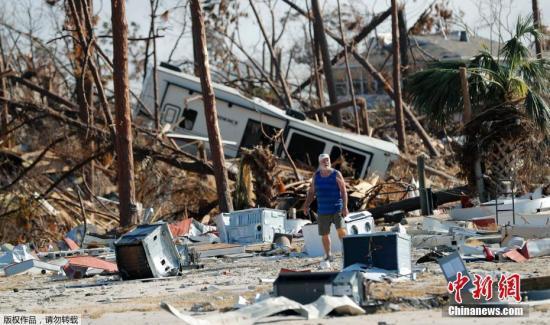 """飓风""""威拉""""升级为危险的四级风暴 逼近墨西哥"""