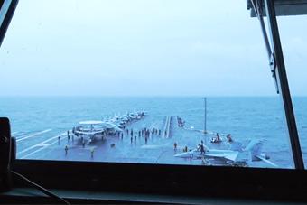 美国航母时隔27年再闯北极圈 参加北约大军演