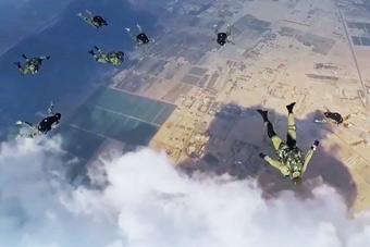 俄与埃及演习:200名俄空降兵奔袭3000公里参演