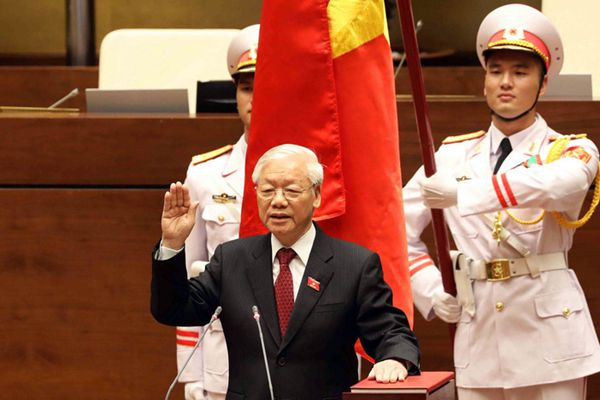 阮富仲当选越南国家主席 宣誓就职
