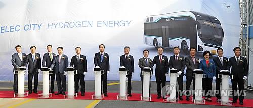 现代氢动力巴士在韩国蔚山首次投入运行