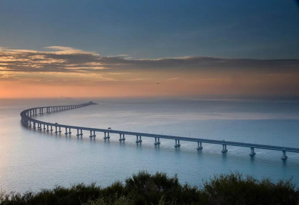 一桥飞架三地——你好,港珠澳大桥!