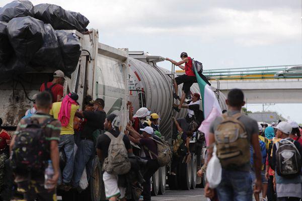 """中美洲移民""""大军压境""""美国 联合国:已壮大至7000多人"""