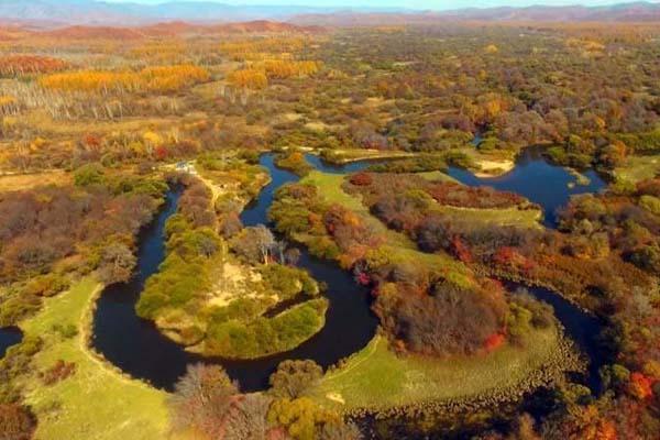 航拍吉林沙河湿地秋景美如画