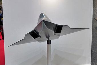 法国达索展示下代战机模型 无垂尾造型科幻