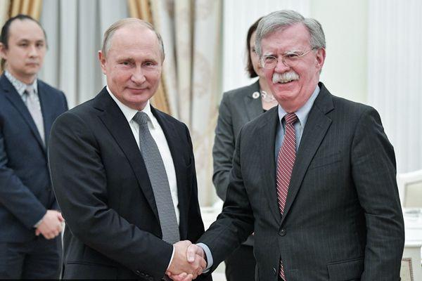 俄羅斯總統普京會見美國國家安全顧問博爾頓