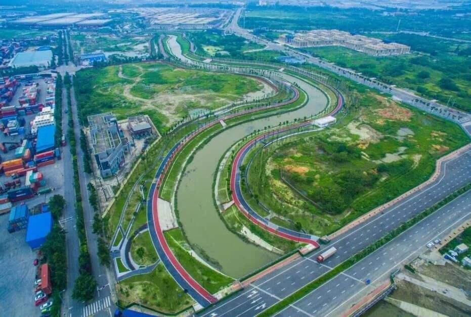"""破题""""城市病""""中国特色新型城镇化道路的""""西咸经验"""""""