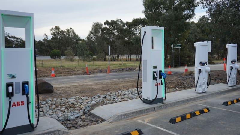 澳公司拟建快速充电站 电动汽车15分钟充满电