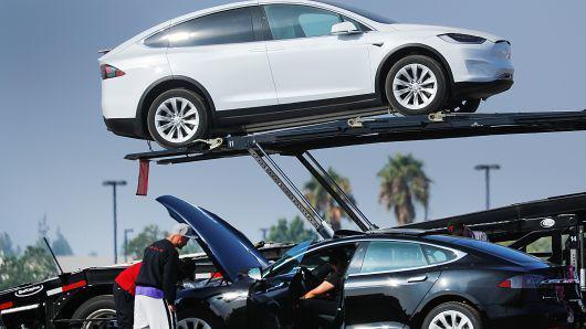 特斯拉Model S/X取消内饰选配,以加快生产速度