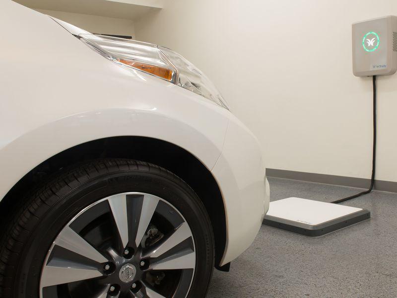 汽车无线充电时代将到来?创企开发磁共振充电垫