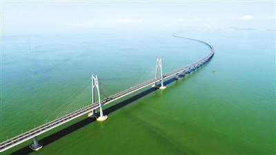 港澳各界祝贺港珠澳大桥开通:通道桥更是连心桥