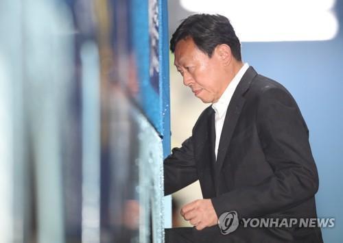 韓樂天集團會長辛東彬公布50萬億韓元投資計劃 曾涉嫌賄賂前總統樸槿惠