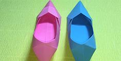 彩纸折出一双高跟鞋