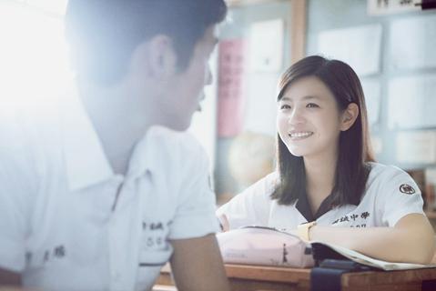 陈晓陈妍希相差4岁的姐弟恋,少女感十足的她,让陈晓有种大叔感