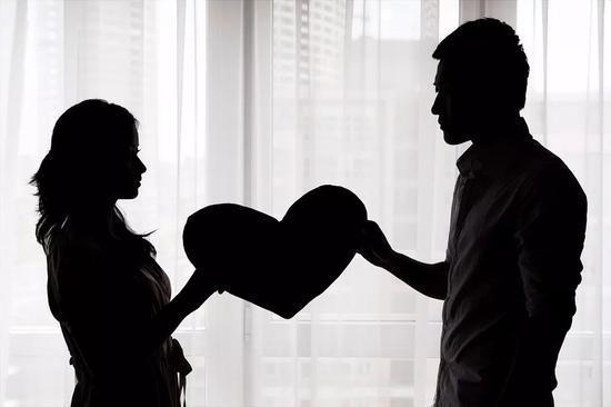 离婚时争800万房产 男子使出一招让女方懵了