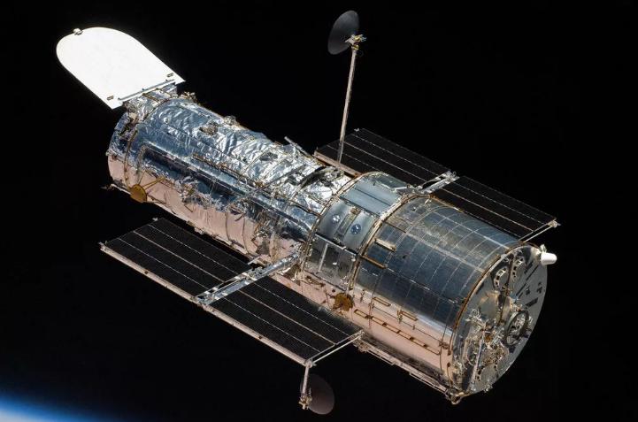 重启设备后再晃两下 NASA这样修好了哈勃望远镜
