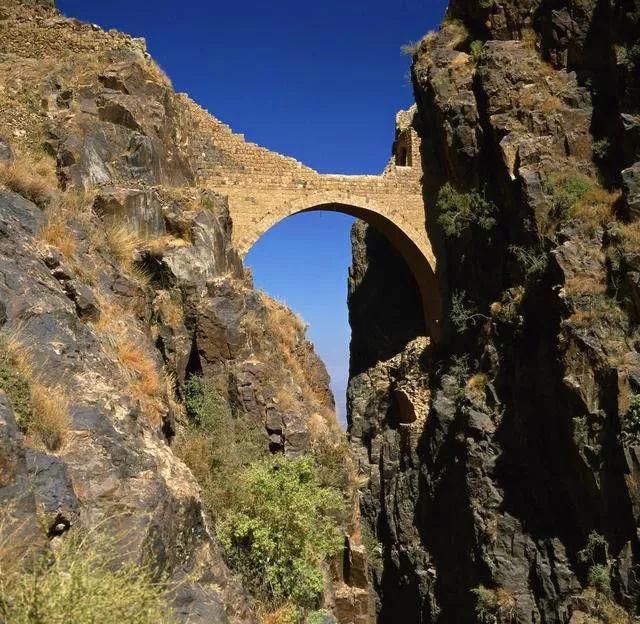 """一座""""天上""""的古桥 400年来一直是谜团"""