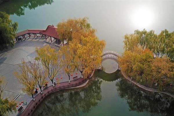 """""""塞上湖城""""秋色浓"""