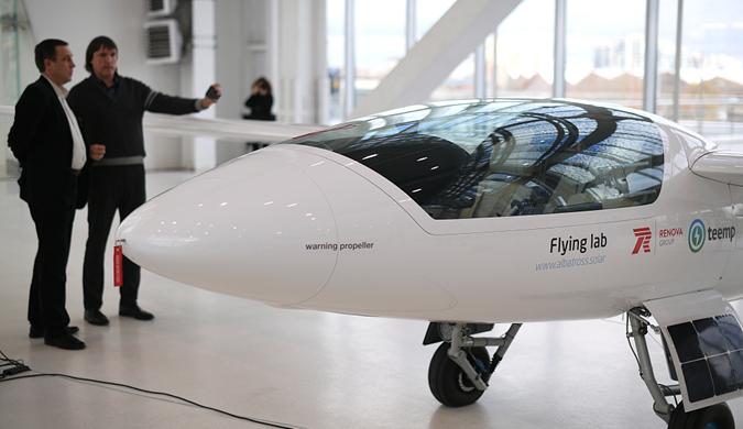 俄罗斯展出电动飞机原型 将成探险家世界首次不间断环球飞