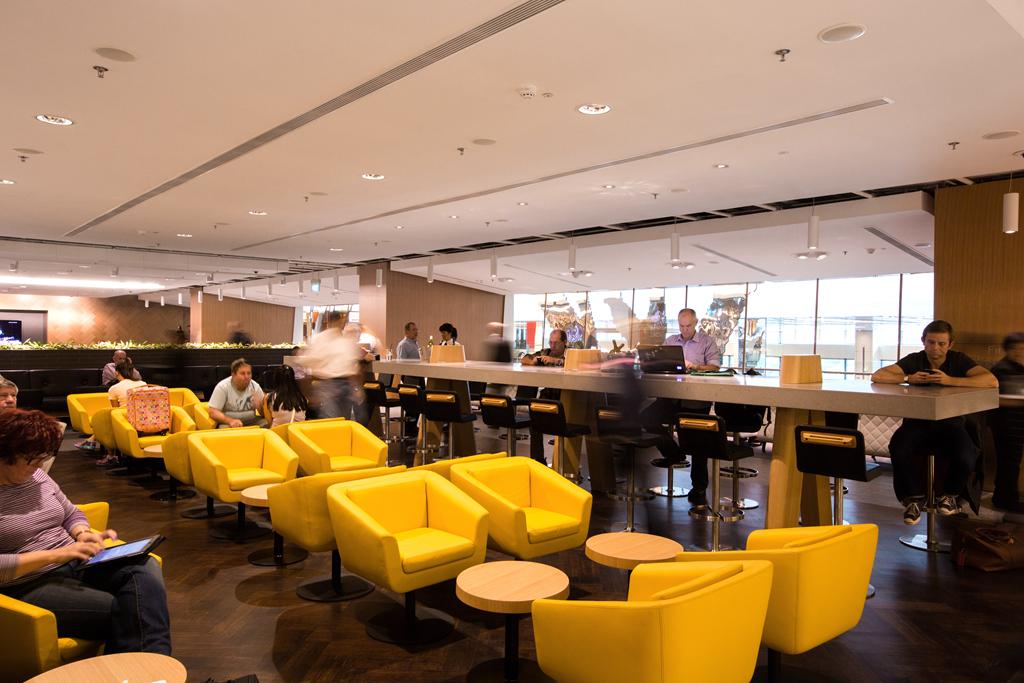 澳洲航空在新加坡樟宜机场,建头等舱休息室!