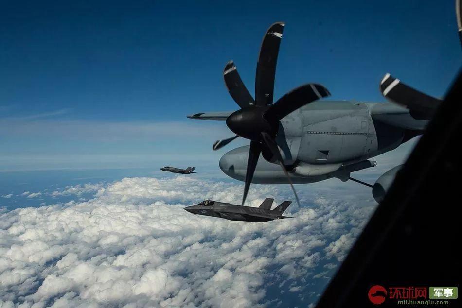 刚刚像这样坠毁?美军F-35B东海空中加