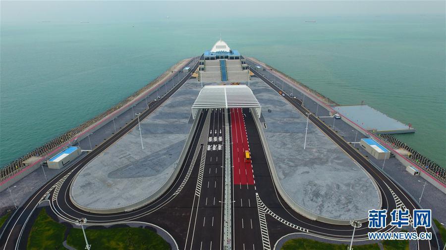 震撼视觉冲击:一起来看看无人机航拍港珠澳大桥的雄姿吧