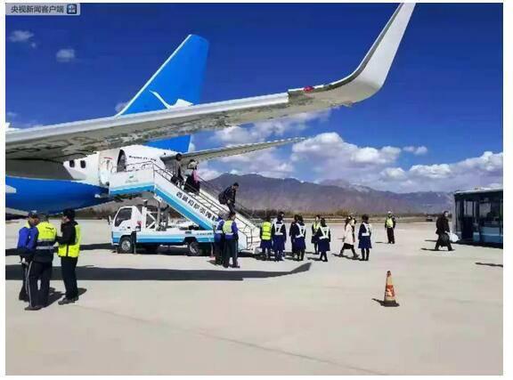 厦航航班迫降拉萨 降落前出现机械故障盘旋多圈