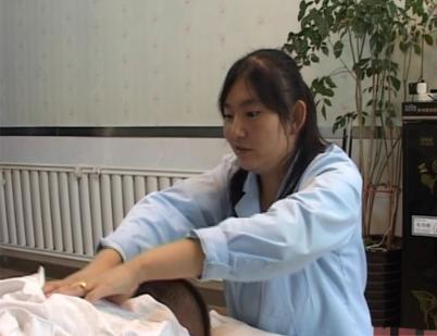 青海福彩助力残疾女孩的自信人生
