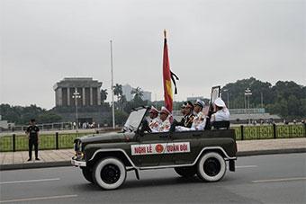 越南国家主席陈大光葬礼 苏式装备游行