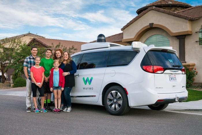 谷歌无人驾驶汽车开始向乘客收费 自动驾驶真的要来了