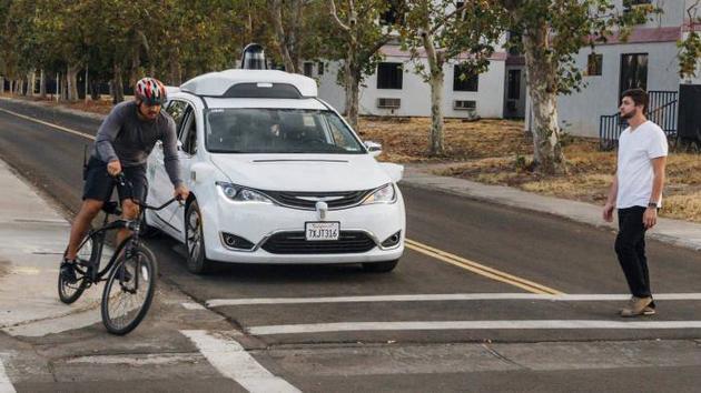 谷歌无人车行程要收费了:率先实现自动驾驶车商用