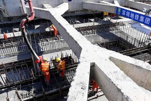 亚洲最长地铁单体车站深圳双拥街站主体结构封顶