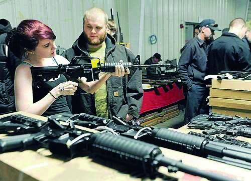 AR-15成为美国射击谋杀武器。总销量突