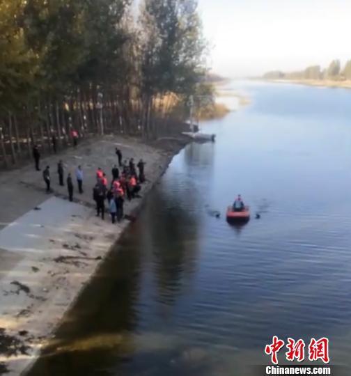 河北河中捞出3具男子遗体 警方初步判定捕鱼溺亡