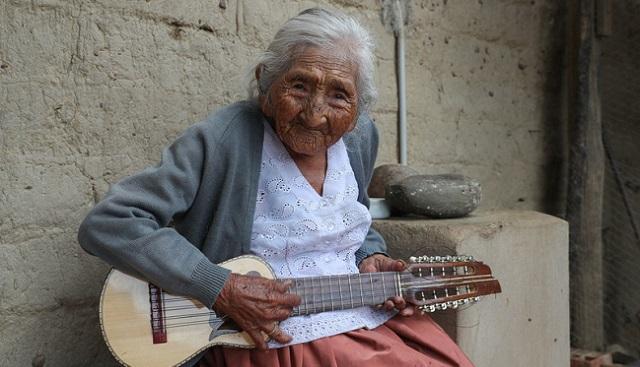 玻利维亚老人迎118岁生日 或成为世界最长寿老人