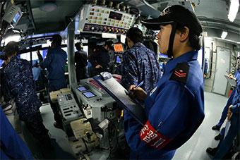 日本最大准航母舰岛内部曝光 设备很先进